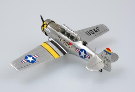 Byggmodell flygplan - T-6G TEXAN - 1:72 - HB