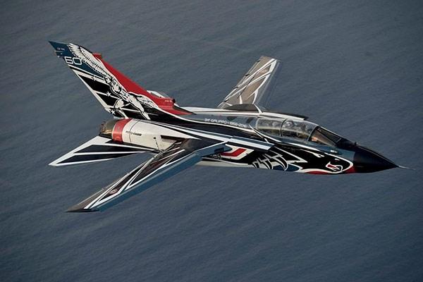 Byggmodell flygplan - Tornado IDS 60? ANNIV. 311? GV RSV - 1:48 - IT