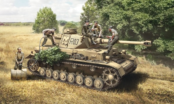 Byggmodell Pz.Kpfw. IV Ausf.F1/F2/G Early med besättning - 1:35 - IT