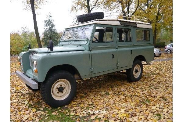 Byggmodell bil - Land Rover Series III - 1:24 - Revell