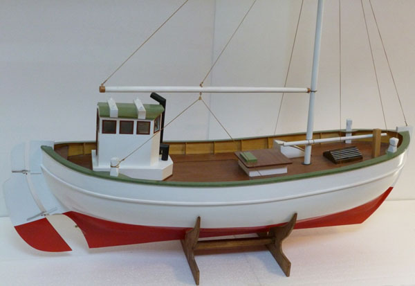 Trä byggmodell - SVEA, Trålare från Bohuslän - 1:15