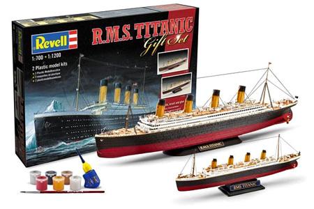 Byggmodell båt - R.M.S. Titanic Gift Set - 2 boats 1:700/1200 - Revell