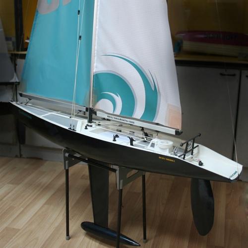 Radiostyrd segelbåt - Hurricane 1000 2,4GHz - RTR