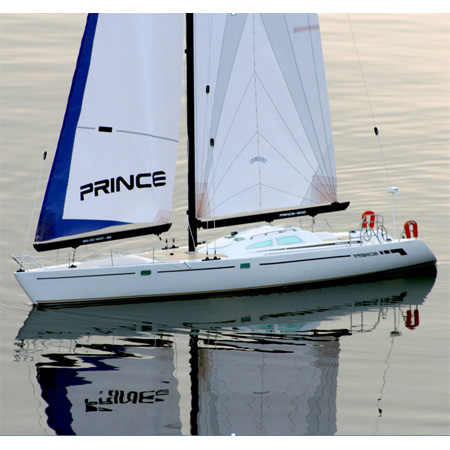 Radiostyrd segelbåt - Prince 900 2,4GHz inkl. motor - RTR