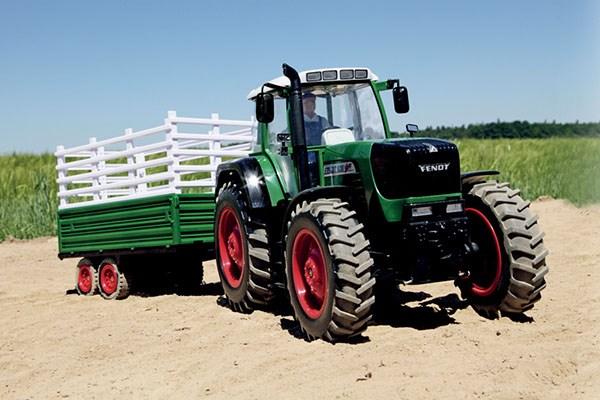 Radiostyrd traktor - Fendt 930 Traktor Double Wheel - Släp 2,4Ghz - 1:14 - RTR