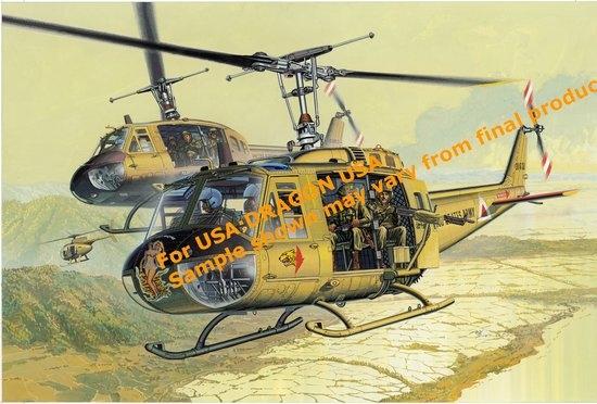 Byggmodell helikopter - UH-10 Huey incl. 4 crew men - 1:35 - IT