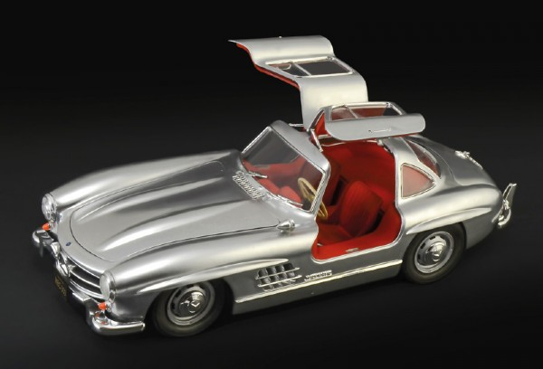 Byggmodell bil - Mercedes Benz 300 SL Gullwing incl. full interior and engine - 1:16 - Italieri