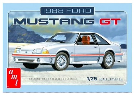 Byggmodell bil - 1988 FORD MUSTANG - 1:25 - AMT