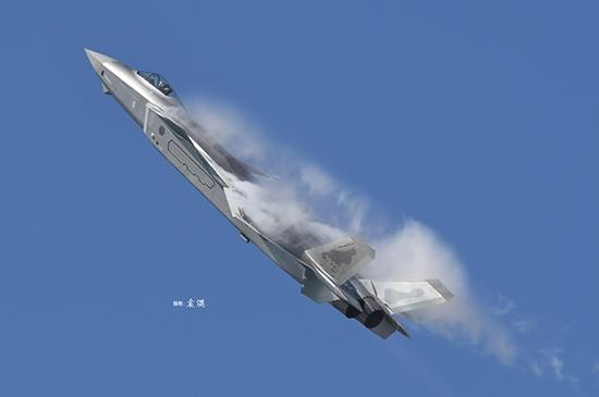 Byggmodell Flygplan - Chinese J-20 Mighty Dragon - 1:48 - Trumpeter