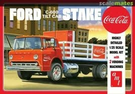 Byggmodell lastbil - Ford C600 Stake Bed w. Coca Cola Machine - 1:25 - AMT