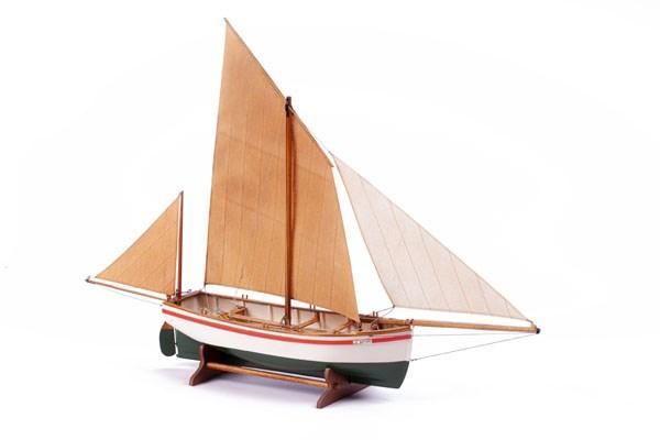 Trä byggmodell - LE BAYARD - Wooden hull - 1:30 - Billing Boats
