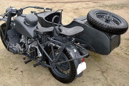 Byggmodell motorcykel - BMW R75 German Milit.Motor. W. Sidecar - 1:9 - IT